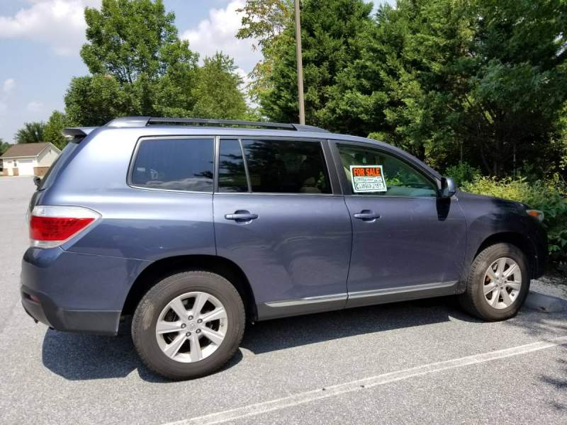 2011 Toyota Highlander 68K Miles AWD Excellent Condition